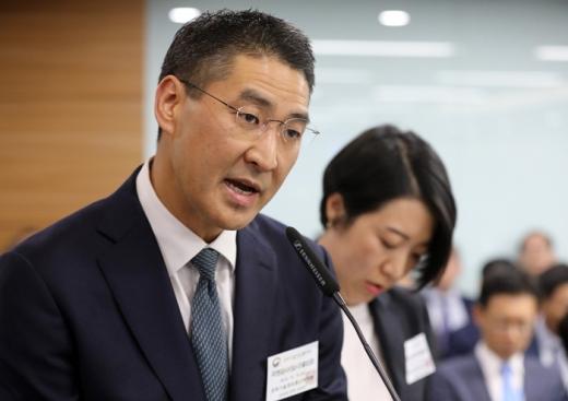 존 리 구글코리아 사장이 과방위 국감에 참석해 질의에 답변하고 있다. /사진=뉴스1 DB