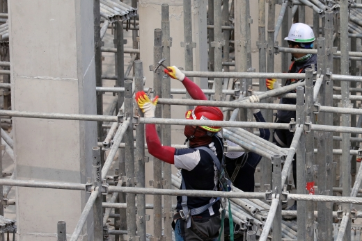 근로시간 특례업종에 건설업을 포함시키는 근로기준법 개정안이 발의됐다. 사진은 서울 시내 한 건설현장. /사진=뉴스1 황기선 기자