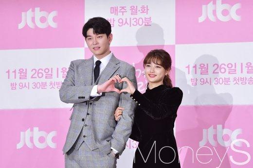 [머니S포토] 윤균상-김유정, 청결남 장선결과 만렙 취준생 길오솔