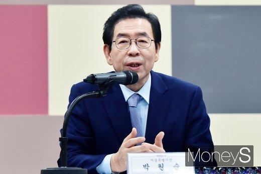 [머니S포토] 박원순 시장, 서울 맞춤형 외국인 정책수립