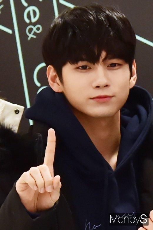 [머니S포토] 워너원 옹성우, '여전한 옹비드'
