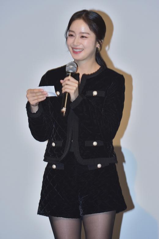 ▲행사에 참석한 셀큐어 모델, 배우 김태희