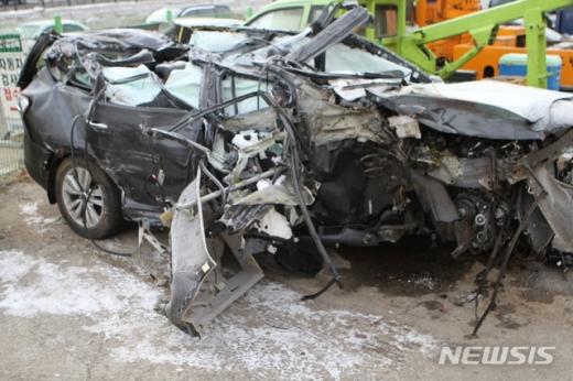 화천에서 발생한 교통사고 차량의 참혹한 모습./사진=뉴시스DB