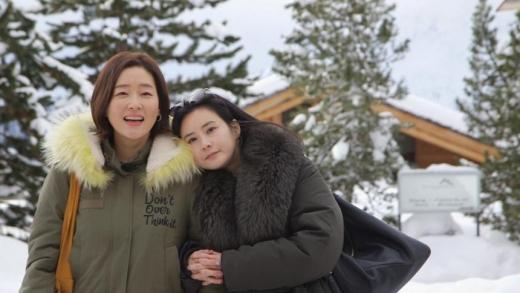 박진희와 최정윤. /사진=JTBC