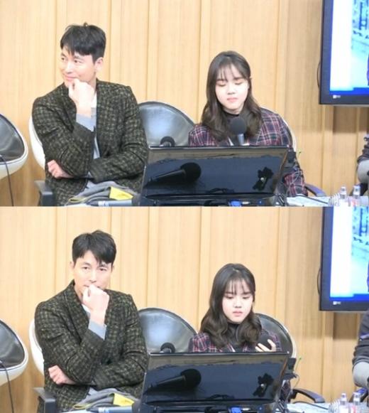 배우 정우성(왼쪽)과 김향기. /사진=SBS 보이는 라디오 캡처