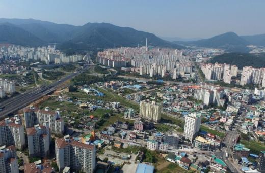 2017년 12월 도시재생 뉴딜시범사업에 선정된 장유무계지구/사진=김해시