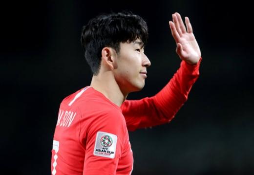 최근 연이은 강행군으로 지친 모습을 보이고 있는 한국 대표팀의 '에이스' 손흥민./사진=로이터
