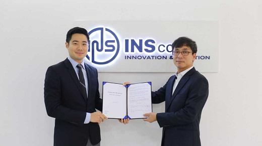 김경태 직토 공동대표(왼쪽)와 인스보험중개 대표. / 사진=직토