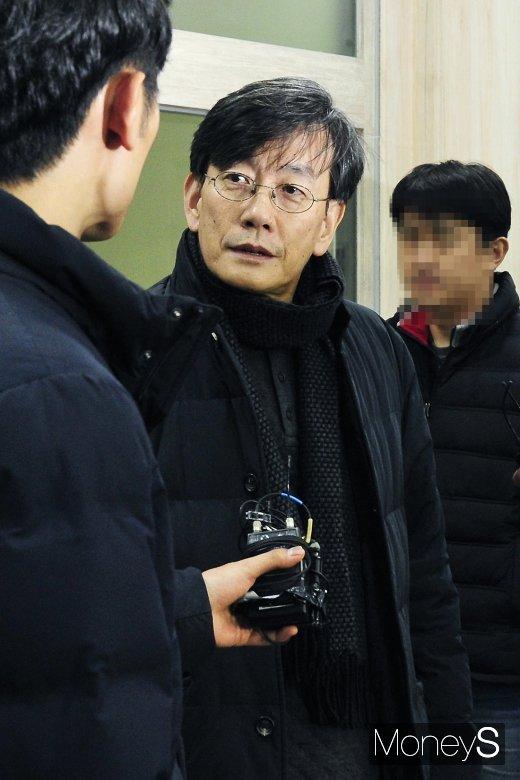 """[머니S포토] 고강도 경찰 조사 손석희, """"자료 제출 다했다"""""""