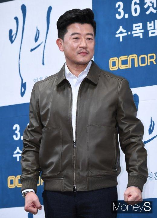 [머니S포토] 박상민 '데뷔 30년차의 카리스마 눈빛'