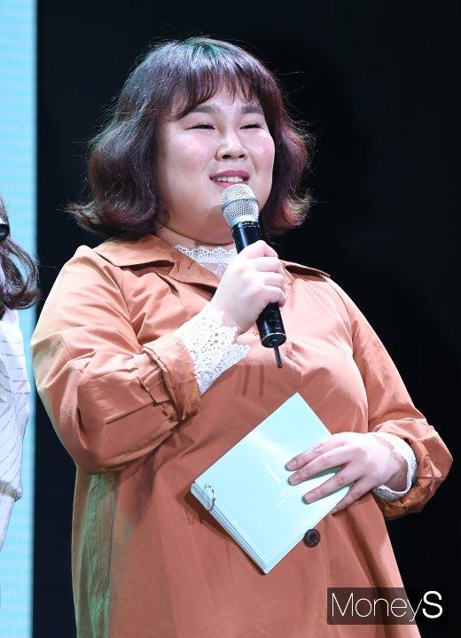 """[머니S포토] 김민경 """"강민경 1집 쇼케이스 사회 맡았어요"""""""