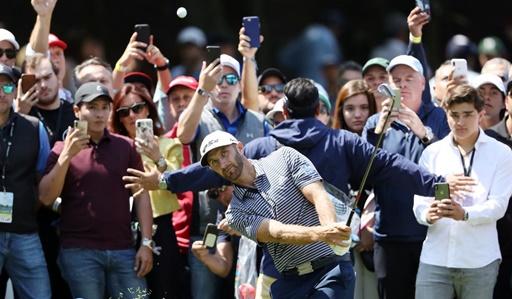 지난 2월25일(한국시간) 멕시코시티 차풀테펙 골프장(파71)에서 열린 월드골프챔피언십(WGC) 멕시코 챔피언십 우승을 차지한 더스틴 존슨이 아이언샷을 날리고 있다. /사진제공=테일러메이드