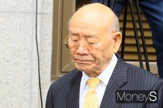 전두환씨(88)가 11일 광주광역시 동구 법정동 광주지법 대법정에 출석했다. /사진=임한별 기자