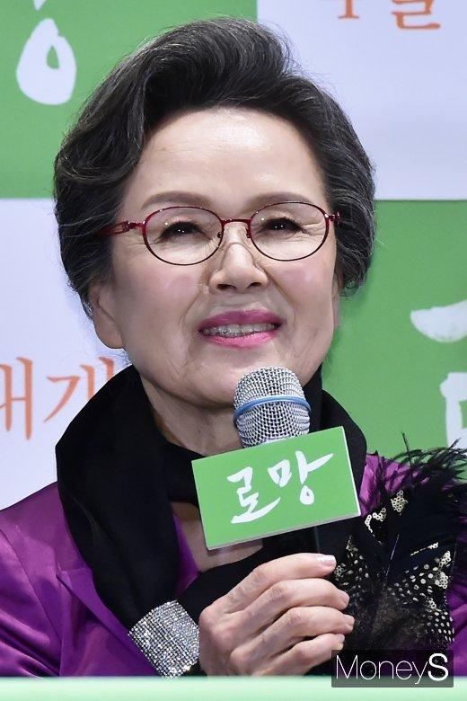 """[머니S포토] '로망' 정영숙 """"영화 본 젊은 사람들, 부모 생각하는 계기 됐으면"""""""