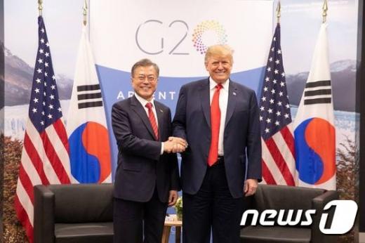 문재인 대통령, 다음달 10일 방미…트럼프와 회담 (속보)