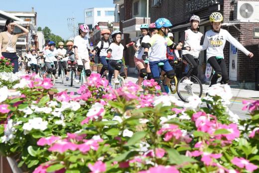 지난해 9월 행궁동에서 열린 2018년 생태교통 수원20135주년 리마인드 기념행사모습. / 사진제공=수원시