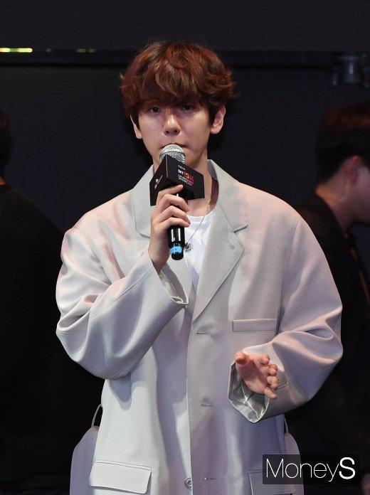 """[머니S포토] 엑소 백현 """"SKT 5GX를 응원합니다"""""""