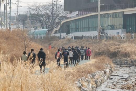 ▲ 의왕시(시장 김상돈)는 오는 13일 오전 10시 의왕 레솔레파크 주차장에서 올해 첫 두발로데이 행사를 개최한다. / 사진제공=의왕시