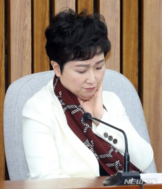 5일 오전 서울 영등포구 여의도 국회에서 열린 바른미래당 의원총회에 바른미래당 이언주 의원이 참석해 자리에 앉아 있다. /사진=뉴시스