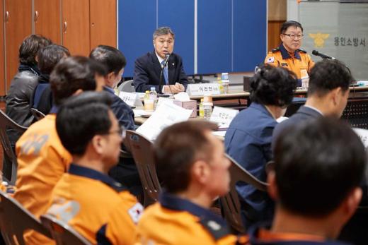 용인시의회(의장 이건한)는 9일 오전 11시 용인소방서 2층 소회의실에서 소통, 협력 간담회가 열렸다고 밝혔다. / 사진제공=용인시의회
