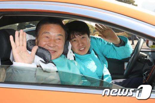 손학규 바른미래당 대표(왼쪽)과 이준석 당 최고위원. /사진=뉴스1