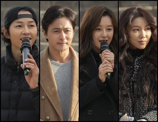 아스달 연대기 스태프. 사진은 송중기, 장동건, 김지원, 김옥빈(왼쪽부터). /사진=tvN 제공