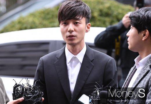 로이킴 음란물 유포 시인. /사진=장동규 기자