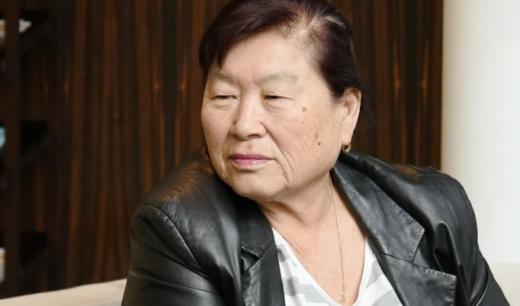 경기도 초청으로 고국을 방문한 홍범도 장군의 외손녀 김알라(78세)씨. / 사진제공=경기도