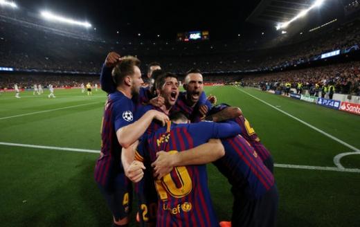 2일 오전(한국시간) 스페인 바르셀로나 캄프 누에서 열린 2018-2019시즌 UEFA 챔피언스리그 4강 1차전에서 리버풀을 3-0으로 완파한 FC 바르셀로나. /사진=로이터