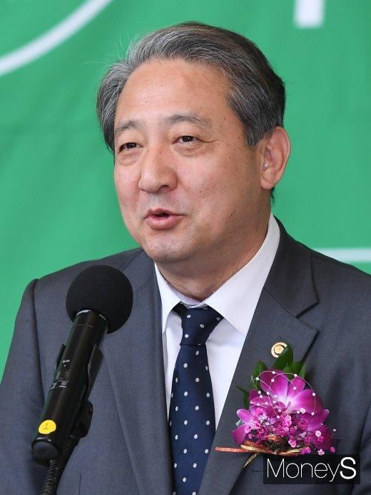 [머니S포토] 박천규 차관 '2019 EV트렌드코리아 개막을 축하드립니다'