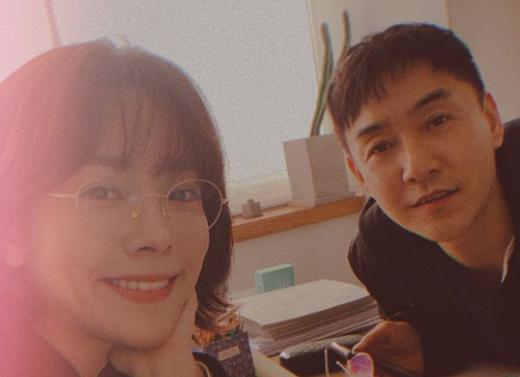 배우 한지민(왼쪽)과 신용욱. /사진=한지민 인스타그램