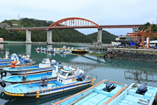 고금도는 3개의 다리를 통해 육지와 주변 섬과 연결된다. /사진=한국관광공사