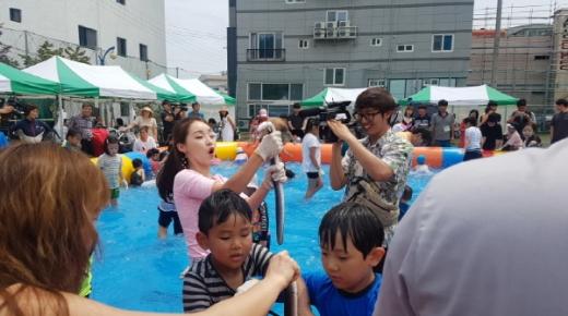 지난해 열린 제1회 불암장어문화축제 모습./사진제공=김해시
