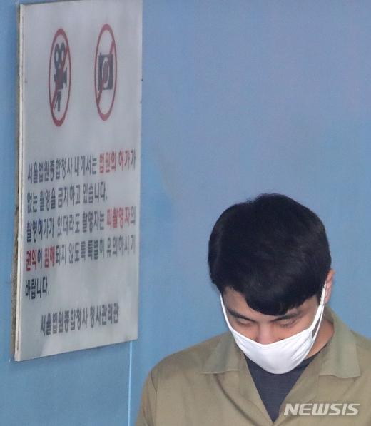 마약 투약 혐의로 구속된 이문호 클럽 버닝썬 대표가 지난달 3일 오후 서울 서초구 서울중앙지법에서 열린 구속적부심에 출석하고 있다. /사진=뉴시스