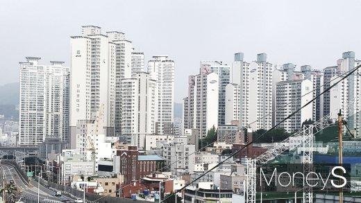 부산시내 한 아파트 밀집 지역. /사진=김창성 기자
