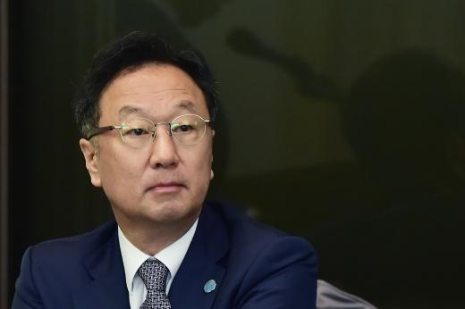 이우석 코오롱생명과학 대표는 4일 서울 중국 한국프레스센터에서 기자간담회를 통해 인보사 관련 공식 사과와 함께 안전성·유효성의 문제가 없음을 강조했다. /사진=임한별 기자