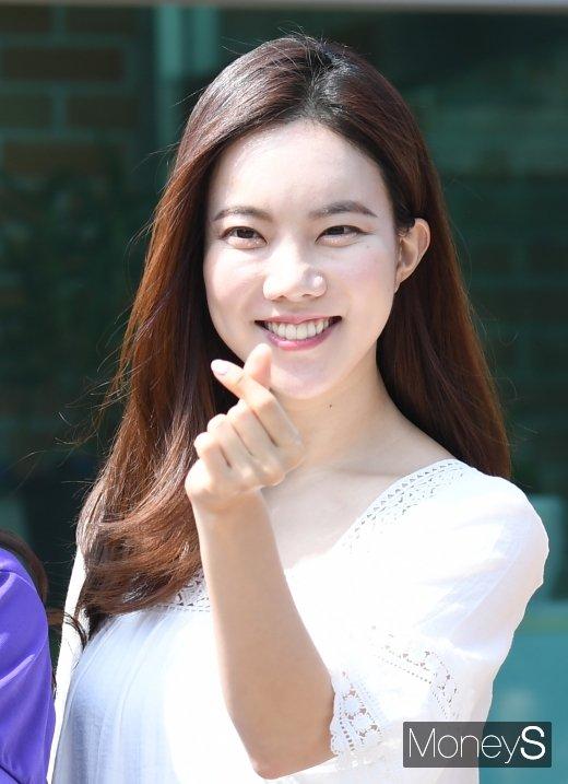 [머니S포토] 김나희 '하트 뿅'
