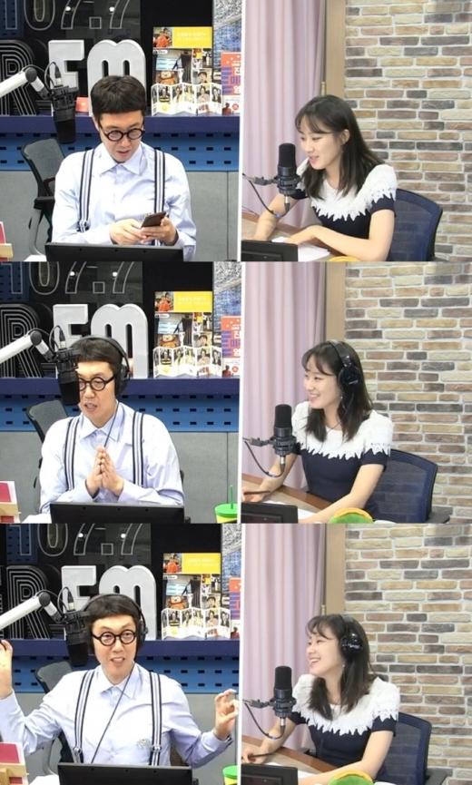 김영철과 주시은 아나운서. /사진=SBS 보이는 라디오 방송화면 캡처
