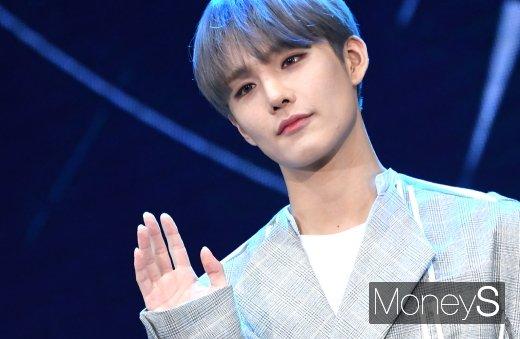 [머니S포토] CIX(씨아이엑스) 승훈 '우수에 찬 눈빛'