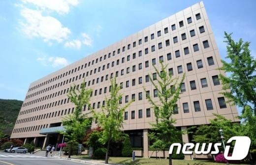 법무부 검찰국장 이성윤·대검 차장 강남일 임명 (속보)