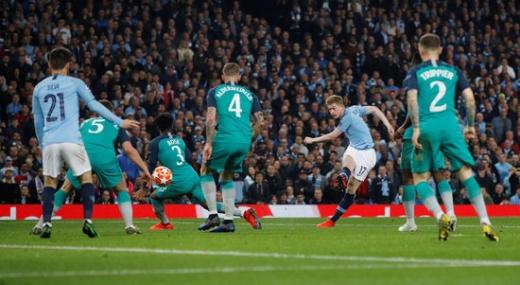 지난 시즌 UEFA 챔피언스리그 8강 2차전에서 최고의 명승부를 펼쳤던 맨시티와 토트넘. /사진=로이터