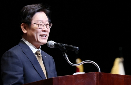 이재명 경기도지사는 74주년 광복절을 맞아 일본의 '경제 침략'을 기술 독립과 경제 도약의 기회로 삼아야 한다고 강조했다. / 사진제공=경기도