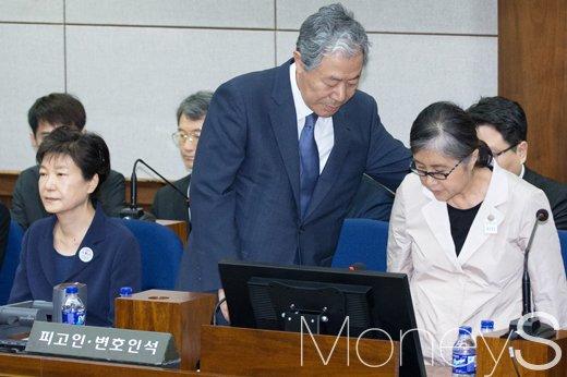 박근혜 전 대통령과 최순실. /사진=사진공동취재단