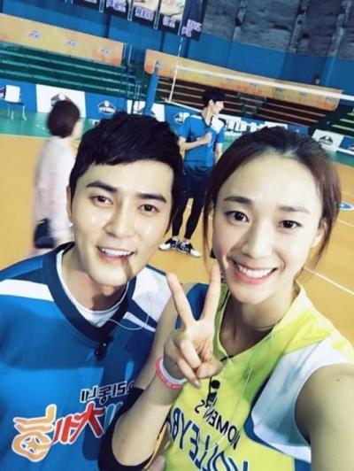 조동혁 한송이. 사진은 배우 조동혁(왼쪽)과 배구선수 한송이. /사진=KBS 2TV '우리동네 예체능' 제공