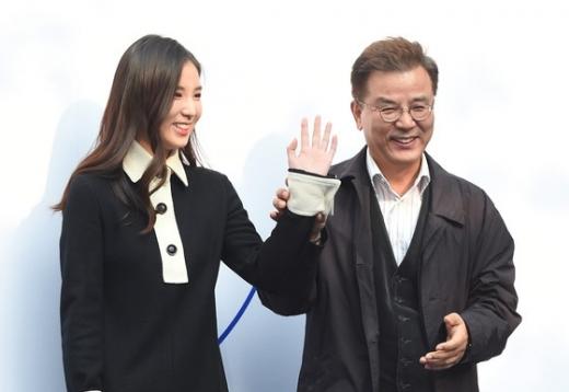 배우 강석우(오른쪽)와 딸 강다은. /사진=뉴스1
