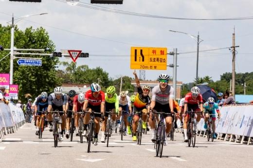 지난해 열린 2018 뚜르 드 디엠지 국제자전거대회. / 사진제공=파주시