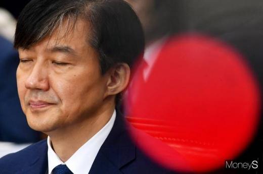 조국 법무부 장관 후보자가 6일 서울 여의도 국회 법제사법위원회 회의실에서 열린 인사청문회에 출석했다. /사진=임한별 기자