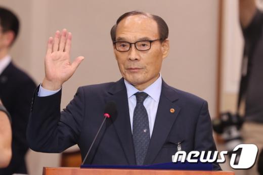"""김형갑 """"학교 이전 이후 발생한 금전 문제는 전혀 몰라"""" (속보)"""