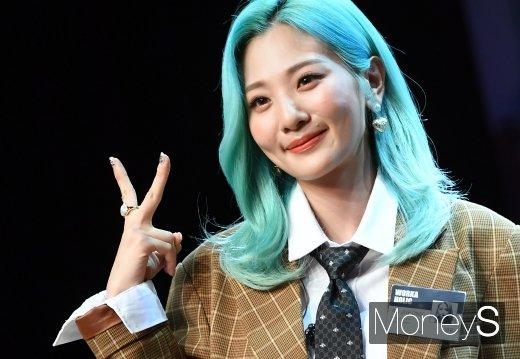 [머니S포토] 더 예뻐진 볼빨간사춘기 안지영