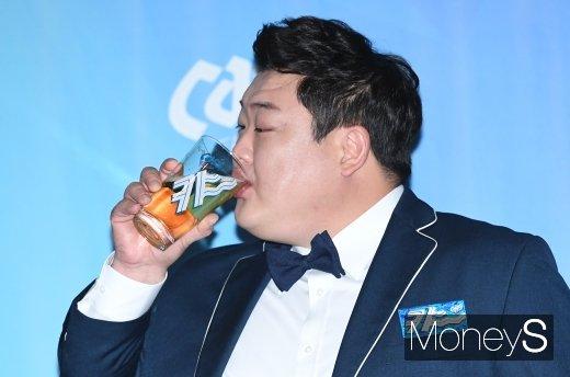 [머니S포토] 김준현 '원샷할 기세~!'